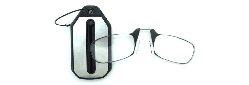 5dab45215dcd6 Por que você não deve comprar óculos de leitura baratinhos