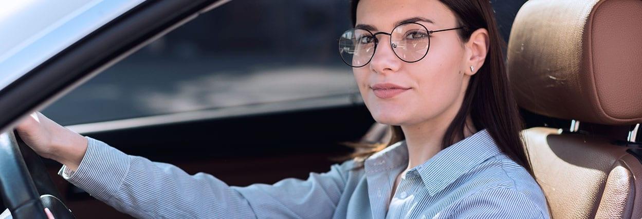 10 erros que não deve cometer ao escolher um óculos para dirigir