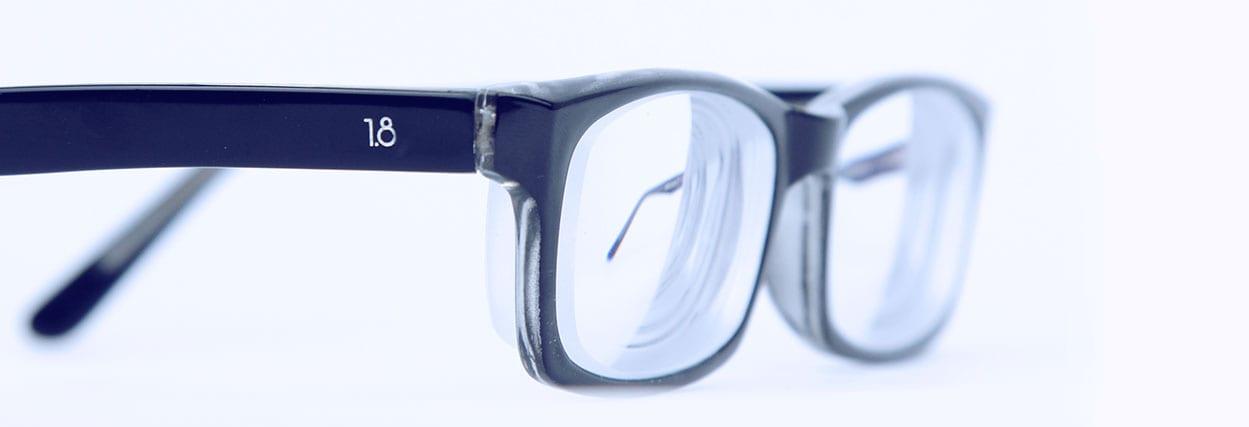 O que deixa o óculos pesado?