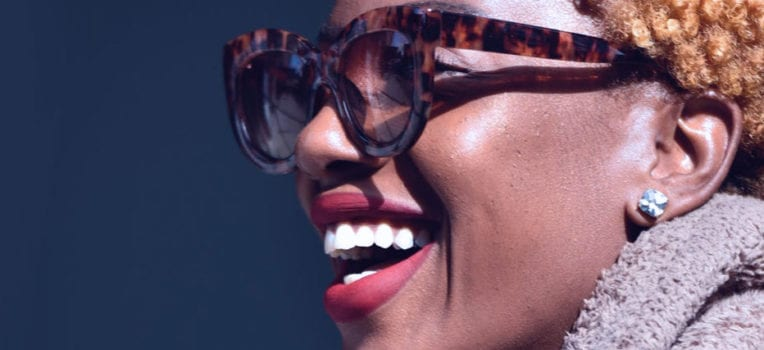 como limpar óculos de grau com lentes transitions