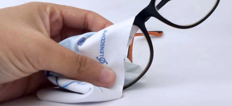 óculos embaçado