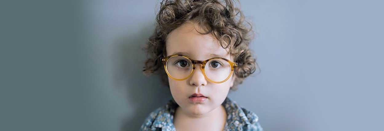 Óculos para bebê: Como o médico descobre o grau dos bebês
