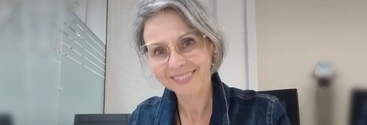 Lentes multifocais personalizadas. Conheça Ana e seu óculos!