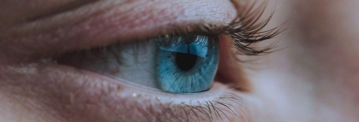 Manchas de Bitot: o que manchas nos olhos podem indicar?